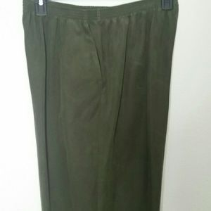 Alfred Dunner 18 pistachio green microsuede pants